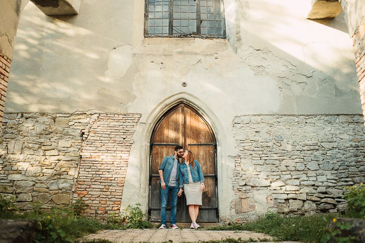 destination_wedding_photographer_artistic_emotional_documentary wedding_sighisoara_land of white deer (5)