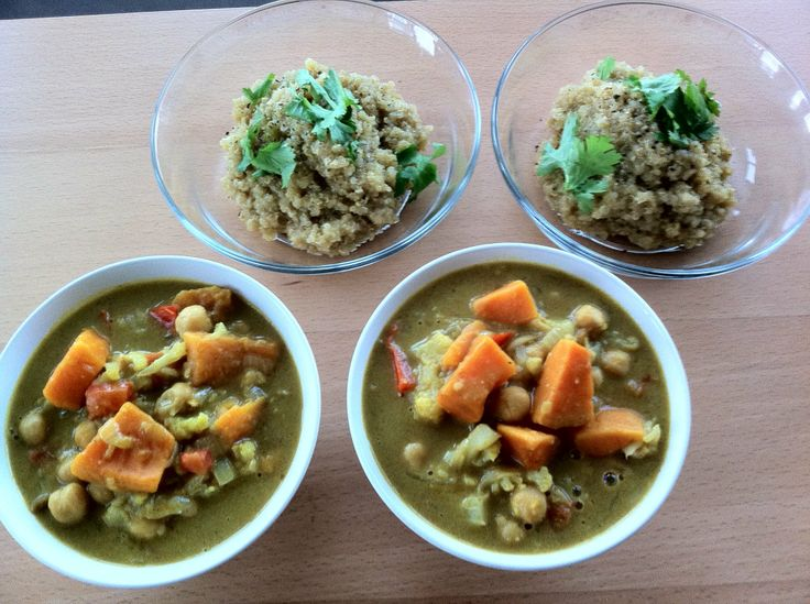Yellow Curry with Sweet Potato  - Definitely planning to try this.  From the Young and Raw recipe blogRaw Living Food, Yellow Curries, Curries Recipe, Raw Vegan, Raw Recipe, Vegan Raw, Vegan Food, Raw Food, Sweets Potatoes