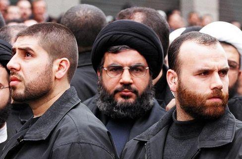 Ditinggal Kabur Milisi Syiah lain Hizbullat Ngambek  Hasan Nashrullah pemimpin Syiah Hizbullah  Syiahindonesia.com - Sebuah rekaman audio yang diklaim sebagai suara seorang milisi Hizbullat terdengar panik selama pertempuran di Aleppo selatan mengungkapkan bahwa milisi Syiah dari Lebanon telah ditinggalkan oleh pasukan pro-rezim lainnya. Mereka (milisi pro-rezim) semua meninggalkan kami Iran Afghanistan dan Suriah  mereka semua meninggalkan kami seorang milisi yang tidak disebutkan namanya…