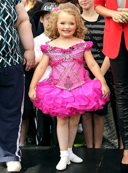 TV fans first 'redneckognized' Georgia's Alana Thompson in a 2012 episode of TLC's Toddlers & Tiaras when she drank a homemade concoction of Go-Go Juice before a beauty pageant. Months later, the spunky pageant queen affectionately dubbed Honey Boo Boo had her own spinoff, Here Comes Honey Boo Boo,   Read more: http://www.usmagazine.com/entertainment/pictures/reality-tvs-breakout-stars-201325/30225#ixzz2zq8ICqQJ  Follow us: @Us Weekly on Twitter | usweekly on Facebook Reality TV's Breakout…