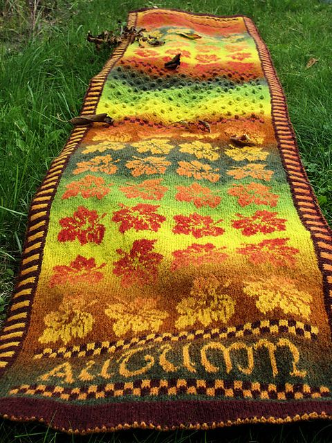Ravelry: Autumn Song Shawl pattern by Charlotte van Ommen
