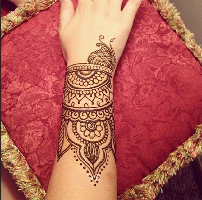 Amazing Cuff Mehndi Designs for Girls 2016