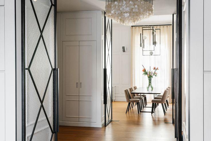 Located in a nice residential area in Milan, the apartment is part of an elegant and well designed 1920's complex. #nomadearchitettura #design #interiors #interiordesign #italiandesign #italianstyle #luxury #milaninteriors #decor #marbles #glasslights #pendantlight #lightgrey #luxurylife #Gallottiradice #SimoneFuriosi