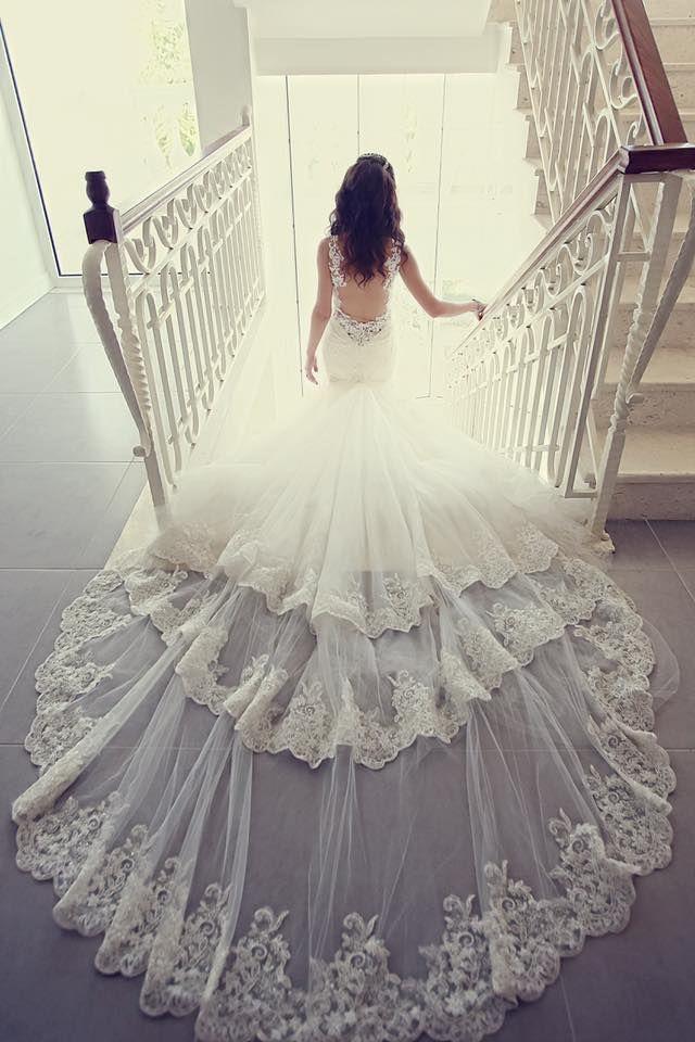 JULIA Kontogruni romantic and oh so glamorous wedding dress