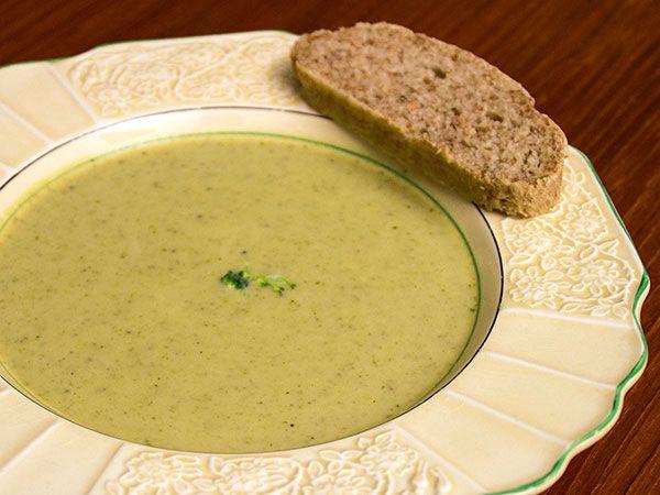 Het höstsoppa på nyskördad broccoli | Recept.nu