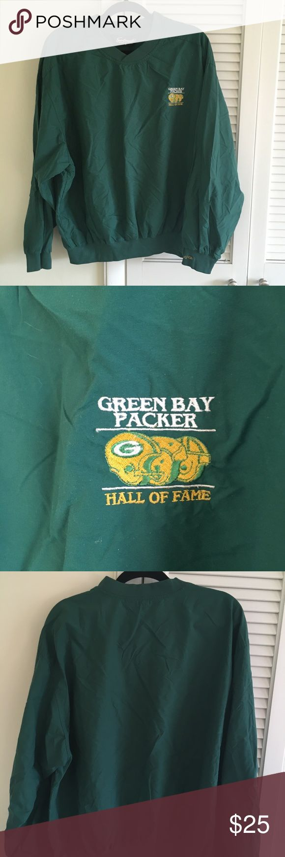 Green Bay packers hall of fame Windbreaker Vintage vtg green Bay packers hall of fame Windbreaker in excellent condition  No stains no damages no holes  Fits perfect to size  Majestic  Has hall of fame patch on the left chest.  Willing to negotiate offer 90s Jackets & Coats Windbreakers