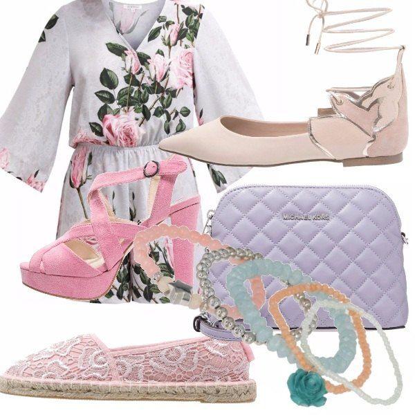 Tuta jumpsuit con stampa a fiori. Ho scelto di abbinare tre tipi di scarpe: ballerina, sandali, ed espadrillas. Adattabili in ogni occasione, per passeggiare, per fare shopping o anche per una serata elegante. Per finire ho aggiunto una bellissima borsa lilla e vari colori di bracciali!