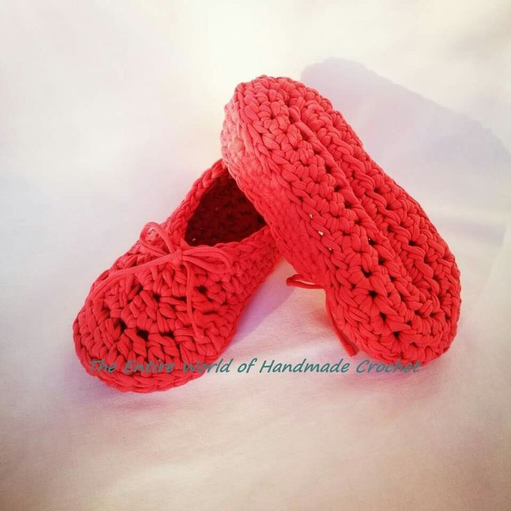 19€. Handmade Crochet Woman's Slippers. Size 39(European). Ready to ship. The Entire World of Handmade Crochet.