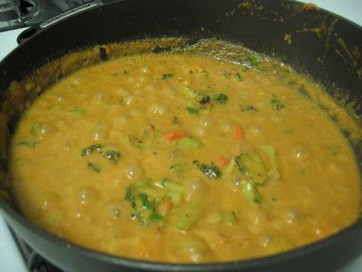 The Spice is Right: Peanut Coconut Curry Sauce - So easy even the Geico Caveman can do it