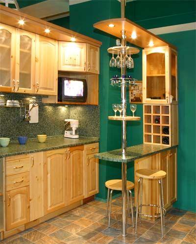 Барная стойка, оформленная в стиле кухни, выглядит более органично