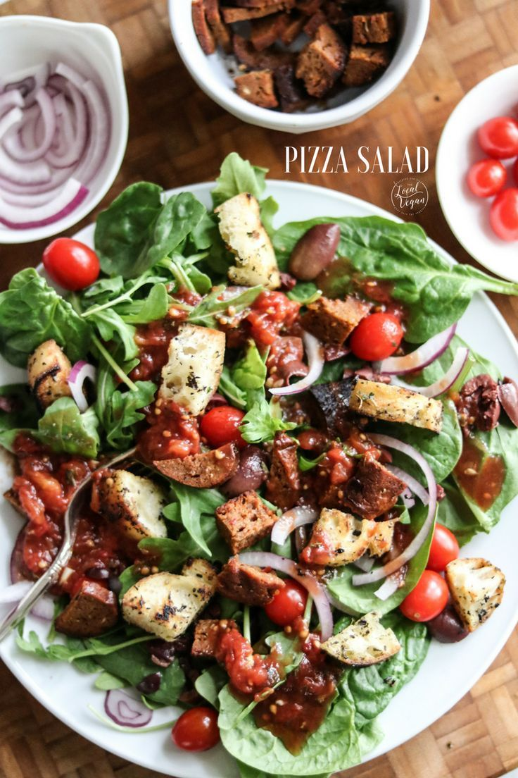 Pizza Salad  - Healthy #Vegan Lunch / Dinner Recipes - #plantbased #cleaneating