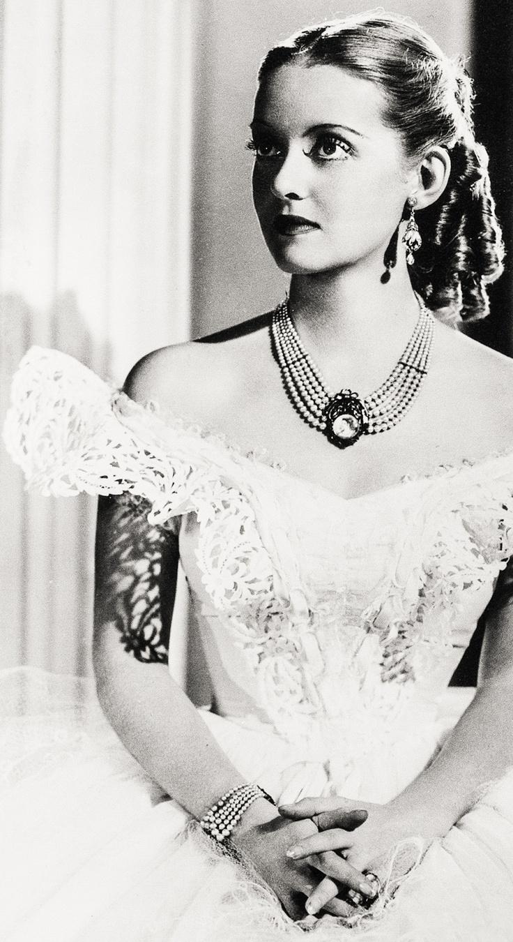 Bette Davis Jezebel 1938 - Director: William Wyler