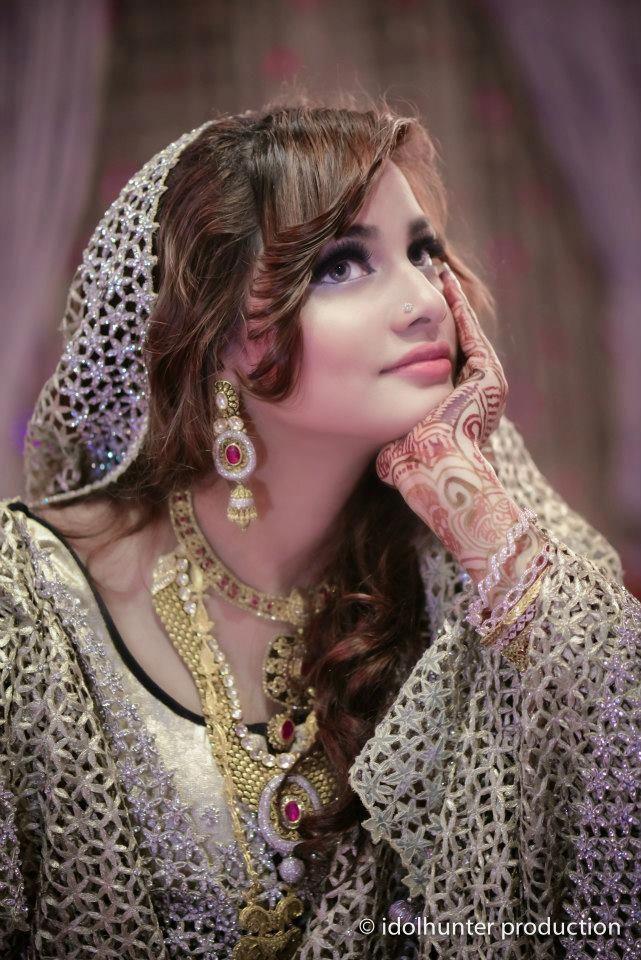 She is so elegant, Ma sha Allah! #bangladeshi #bride #chittagong