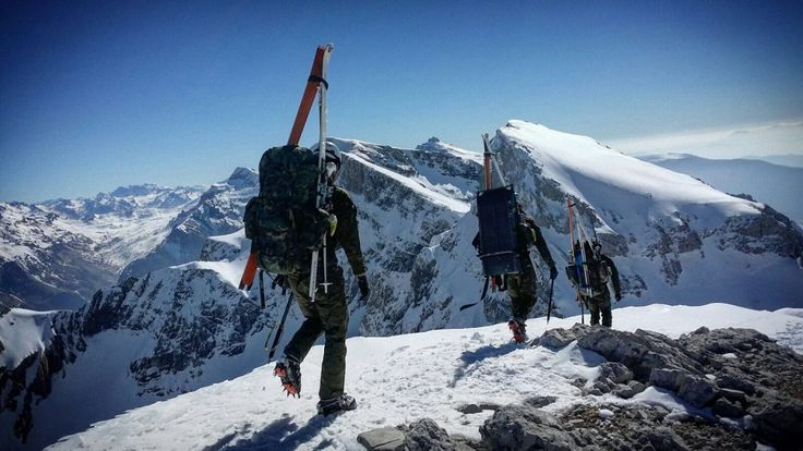 Comienzan el 73º Curso de Montaña y el 62º Curso de Operaciones Especiales, ¡Mucha suerte alumnos! imágenes en