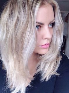 1000 ideas about couleur blonde platine on pinterest couleur blonde platinum blonde and blondes - Coloration Blond Blanc