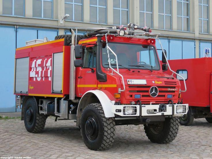 Mercedes-Benz UNIMOG U 5000 Waldbrandlöschfahrzeug (WaldBrdL-Kfz) des Zentrum Brandschutz der