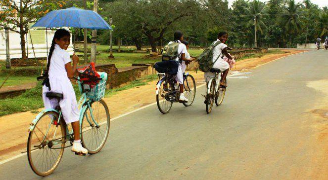 Sri Lanka: znajdź żonę albo męża z horoskopu  www.polskieradio.pl YOU TUBE www.youtube.com/user/polskieradiopl FACEBOOK www.facebook.com/polskieradiopl?ref=hl INSTAGRAM www.instagram.com/polskieradio