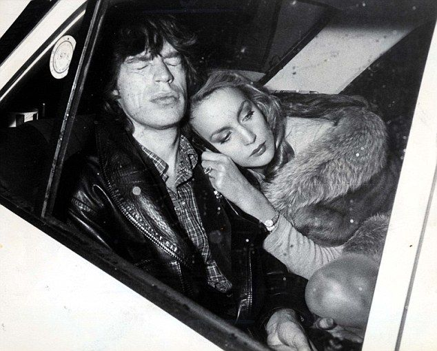 Jerry Hall & Mick Jagger. Fotaza.