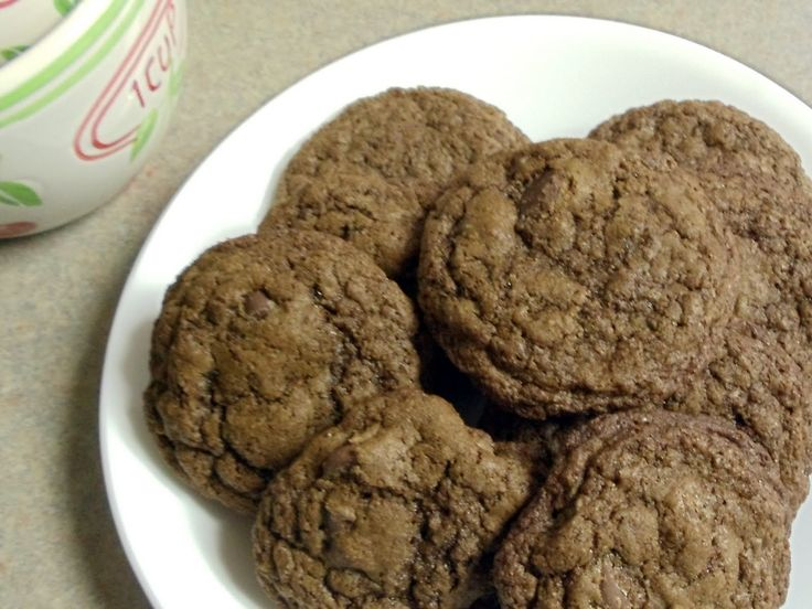 Everything Has It's Wonders: Twin Chocolate Delights - Hannah Swensen Style