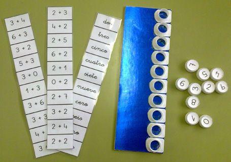 """En el blog """"reciclando en la escuela"""" encontré una actividad para reconocer números mediante un juego bastante simple, pero llamativo. Se trata de pegar las bases de los tapones de los tetra bick d..."""