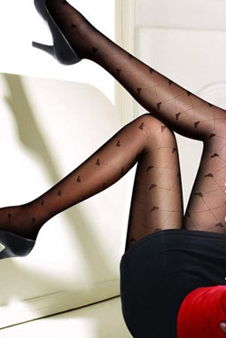 Gentle to put on and comfortable to wear, these soft touching panty hose are finished with a hearts design bringing the elegant look to your outfit