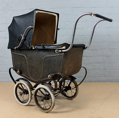 Antiques Atlas - Early 20th Century Doll's Pram Dating From C.1930′s