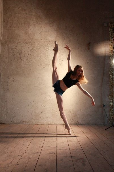 Wow.The Human Body, Go Girls, Dancers, Ballerinas, Art, Beautiful, Jeans Shorts, Ballet, Weights Loss