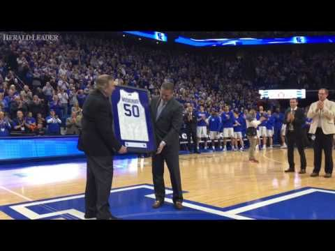 Brent Musburger presented with UK jersey - YouTube