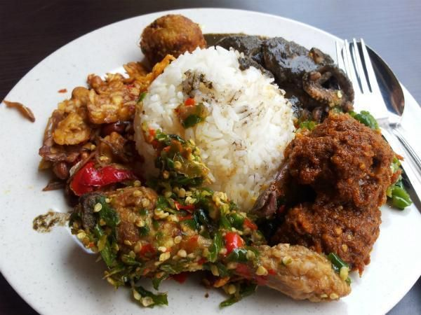 What to eat at our favourite Padang-style restaurants, read on to track down really good rendang and the best ayam goreng