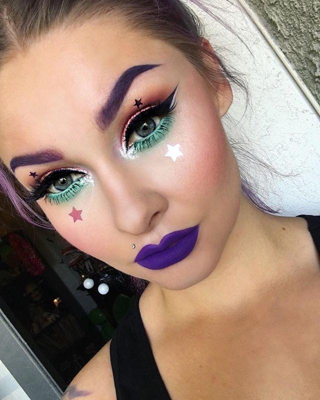 Starry eyed✨Highlight: @peachesmakeup Strobing Powder HaloBlush: @makeupgeekcosmetics Spell Boun...