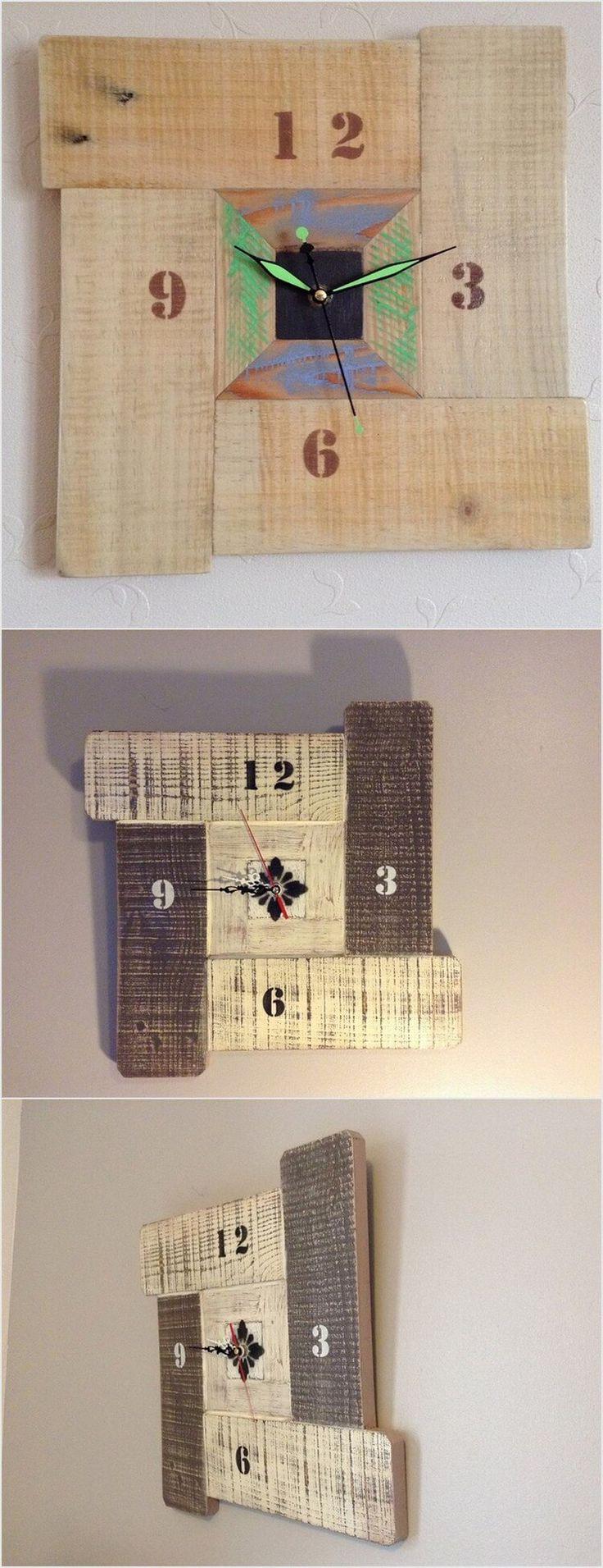 Relógio de madeira descartada.