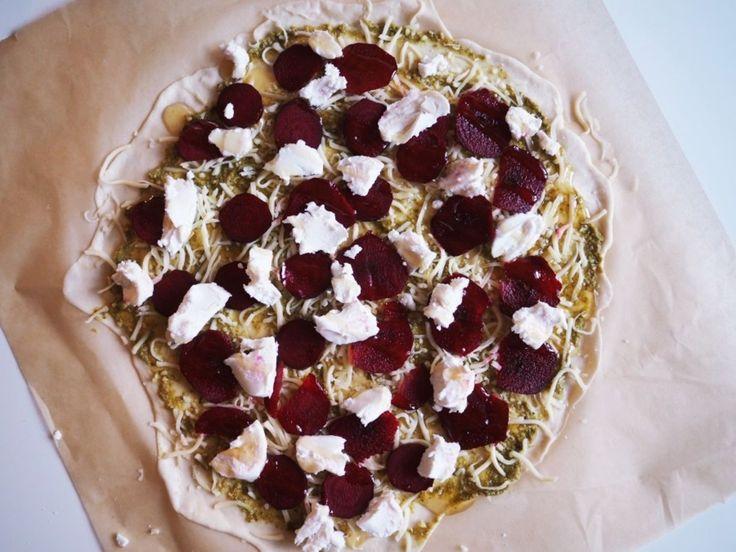 punajuuri vuohenjuusto pizza