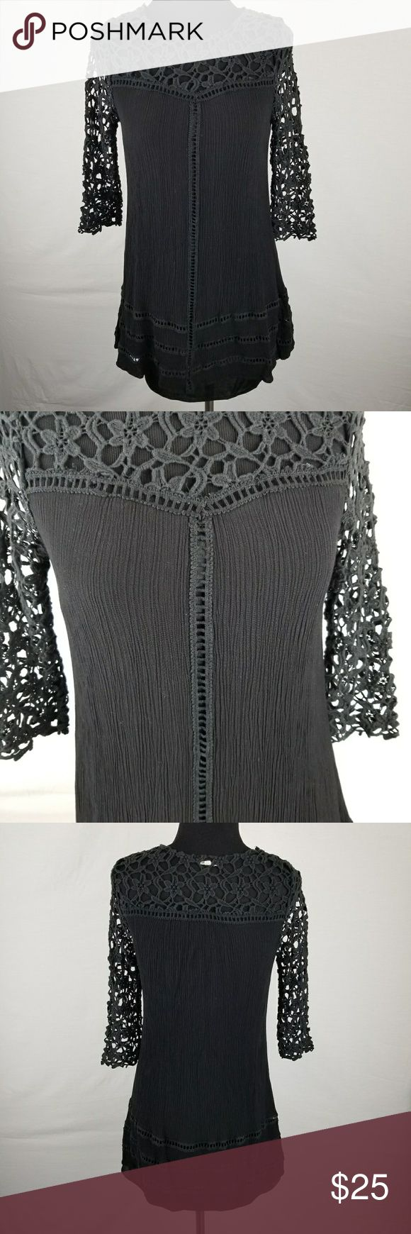 En Creme SZ S black tunic shirt Good condition. No holes or major signs of wear. Very cute crochet details around neckline and sleeves. En Creme Tops Tunics