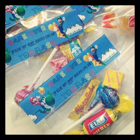 party favors super mario bros with candy and mini lollipop