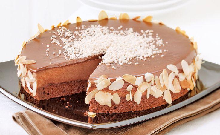 Diese herrliche Maronitorte gelingt leicht und ist gut vorzubereiten. Für alle Maroni oder Edelkastanienliebhaber ein Muss. Mit viel cremiger Schokolade besticht sie auch optisch.