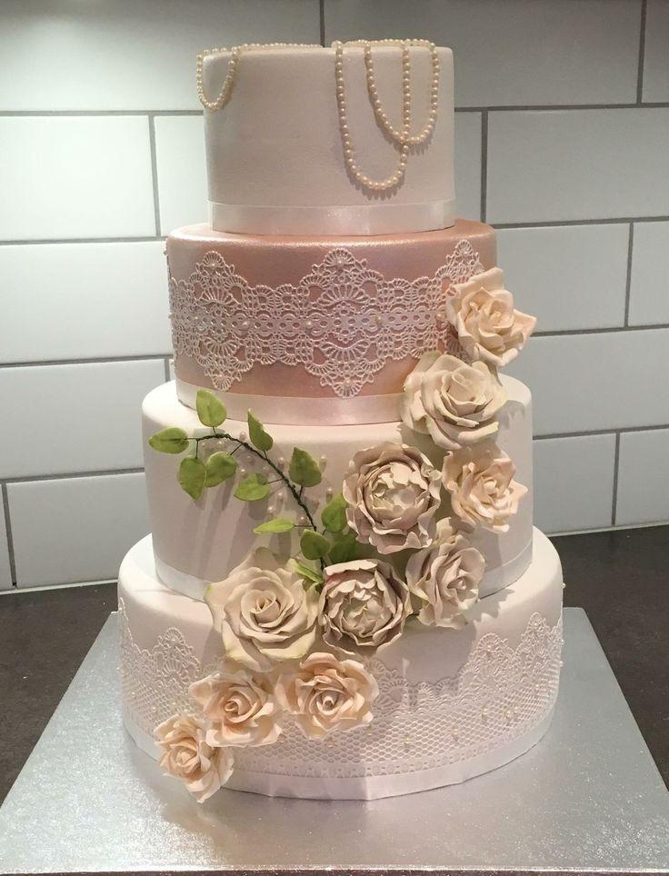 Vår bryllupskake fra Thorunn's kreative kaker