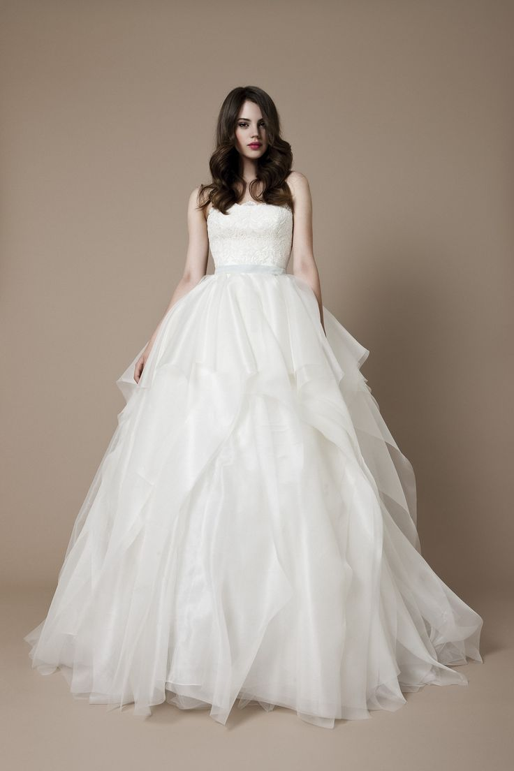 66 best kedvenc daalarna images on pinterest wedding for Where to buy daalarna wedding dresses