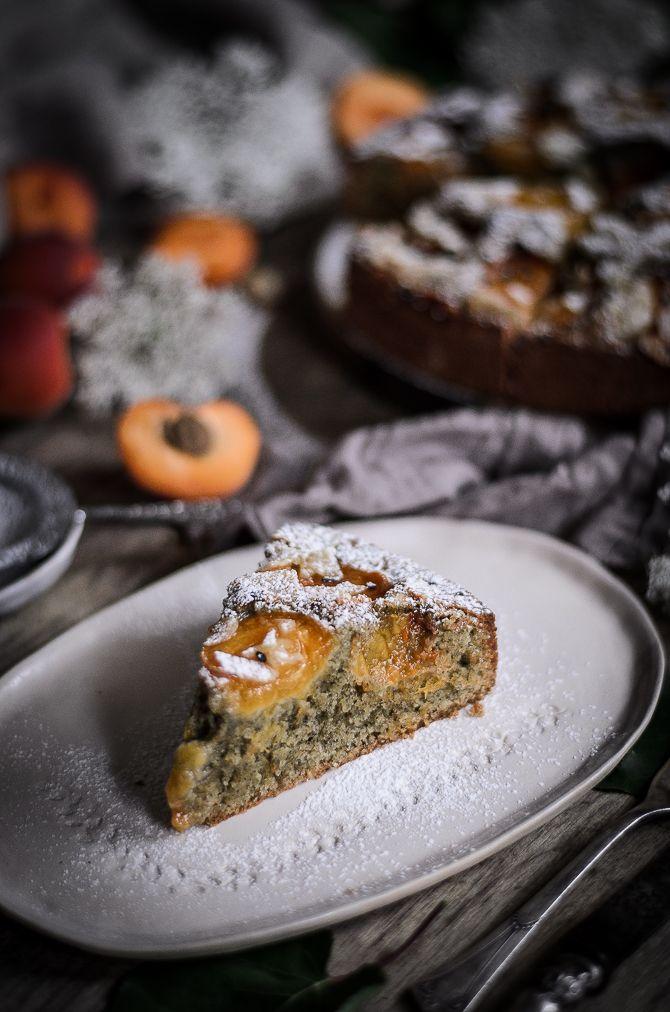Coco e Baunilha: Bolo de alperce, amêndoa e sésamo // Apricot, almond and black sesame buckle cake