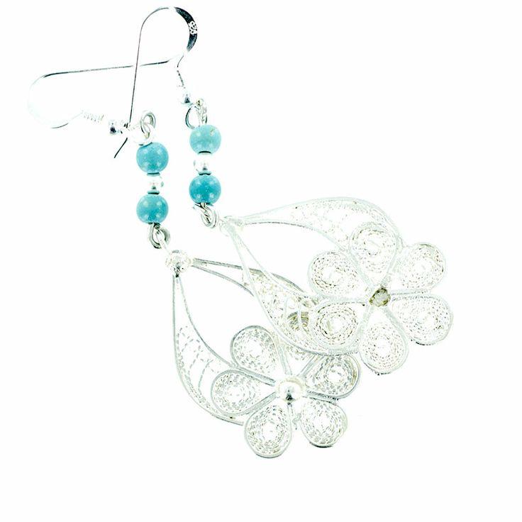 Boucles d'oreilles turquoise, bijoux créateur en argent massif. http://www.laoula-bijoux.com/boucles-oreilles-creation.htm