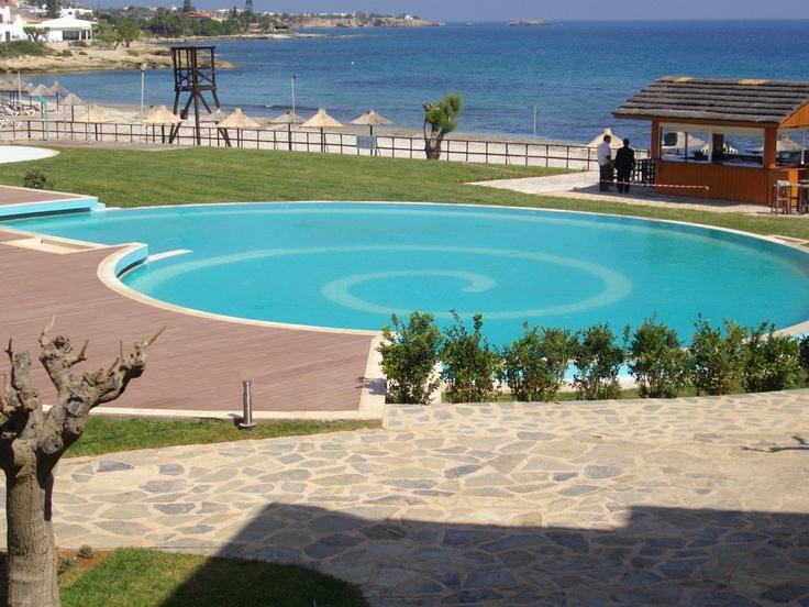 The stunning Ideales swimming pool of Creta Maris Hotel in Crete.