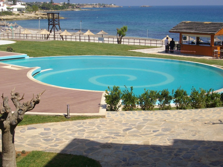 The stunning Ideales swimming pool of Creta Maris Hotel in Crete.