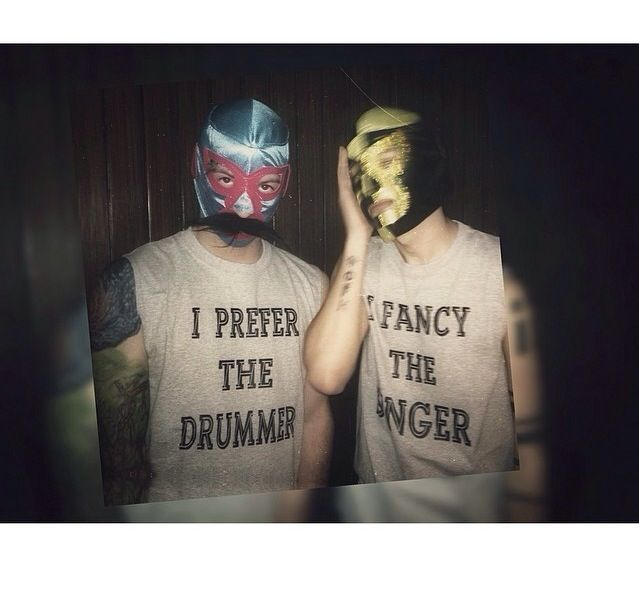 They need to switch shirts X3 ❤️ |-/