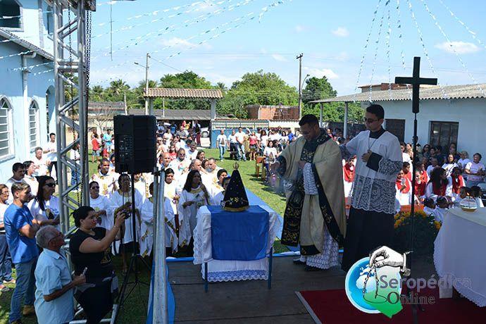 Procissão e Santa Missa homenageia Nossa Senhora Aparecida em Seropedica