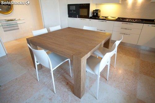 Tavolo di rovere quadrato, allungabile, finitura taglio di sega e spazzolato