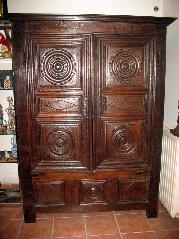 Petite armoire coffre Louis XIII. Bretagne, XVIIème siècle, Le Vieux Chai, Proantic