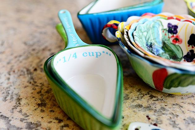 DSC_4955 by Ree Drummond / The Pioneer Woman, via Flickr Love these measuring cups.