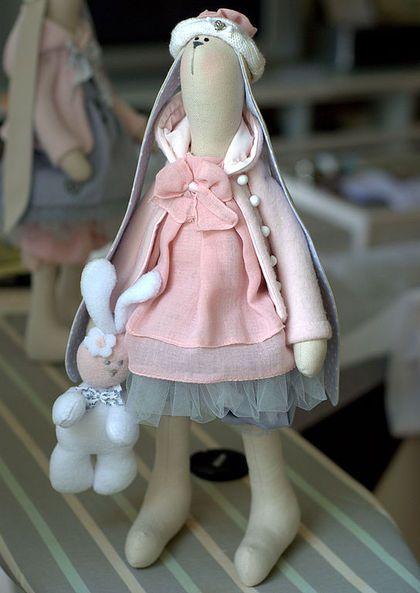 Зайчишка Sonia - зайка,интерьерная кукла,подарок для девочки,розово-серый