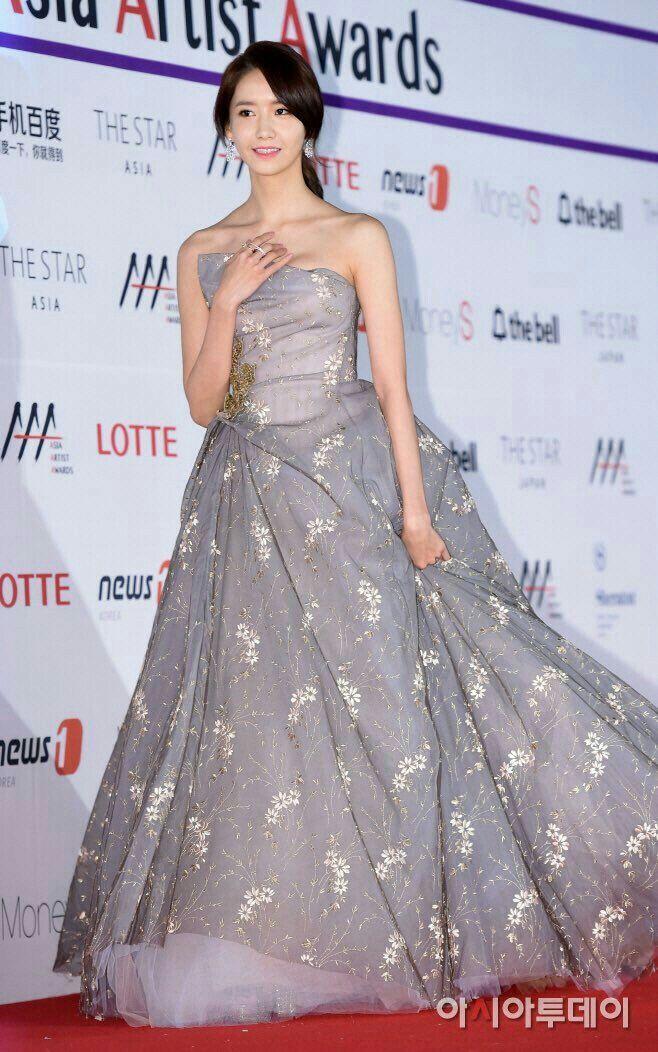 ยุนอา SNSD บนพรมแดงงานประกาศรางวัล Asia Artist Awards