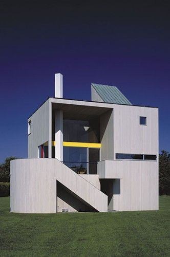 Gwathmey parents house assembly of sqaures and circles 3-story cedar sidings for interiors and exteriors late modernism/ post modernism 1966 multiple cut outs maximizing the amount of light