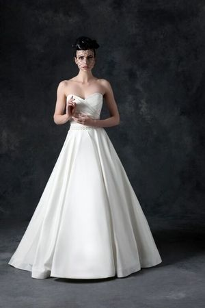 Sweetheart A-Line Wedding Dress with Natural Waist in Silk Taffeta. Bridal Gown Style Number:33101114